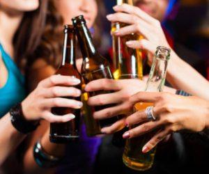 Trẻ bị bắt nạt dễ lạm dụng rượu