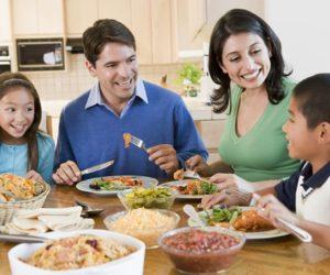 Hạnh phúc lớn khi cả gia đình cùng ăn tối