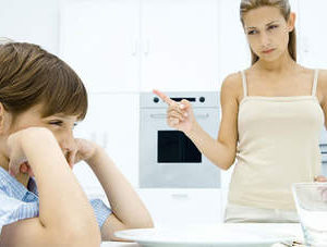 Sống hộ con – mâu thuẫn làm cha mẹ