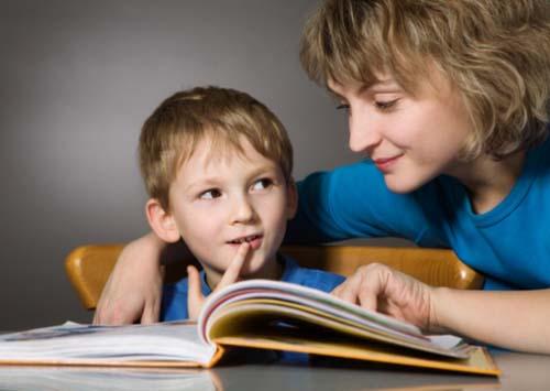 Đọc sách cùng trẻ để gắn kết yêu thương