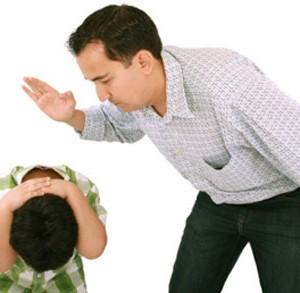 Trẻ bị đánh đòn chịu tổn thương nghiêm trọng về lâu dài