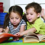 Nên quản lý việc đọc sách của trẻ như thế nào?