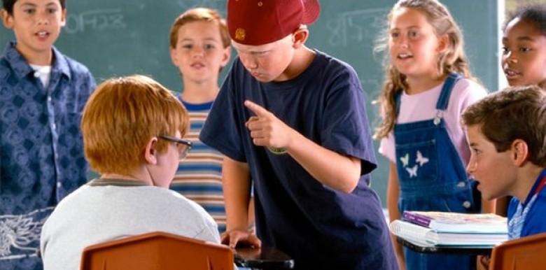 Cha mẹ nên làm gì khi biết con bị bạo lực học đường?