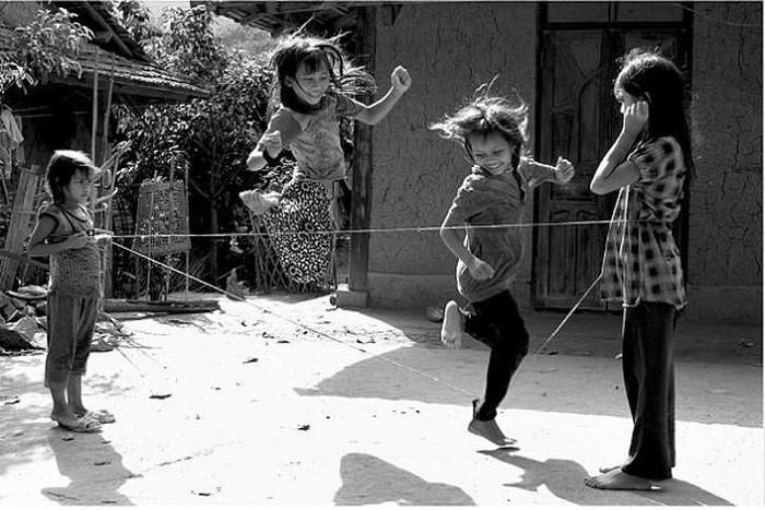 Khi chúng ta đơn giản hóa tuổi thơ