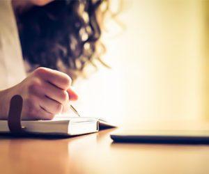 """Expressive Writing – Thực hành """"Viết ra tâm tình""""- giúp chúng ta bình tâm & rành mạch những suy nghĩ"""