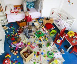 Cho trẻ quá 5 món đồ chơi vô tình hại con