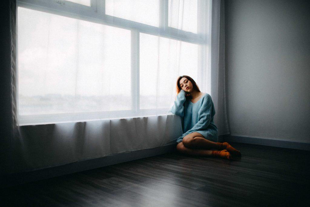 Lạm dụng cảm xúc là gì?